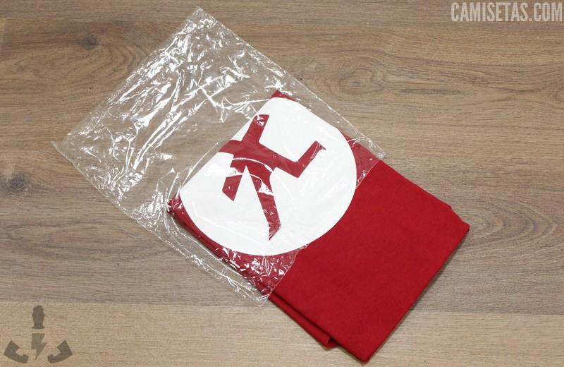empaquetado de camisetas