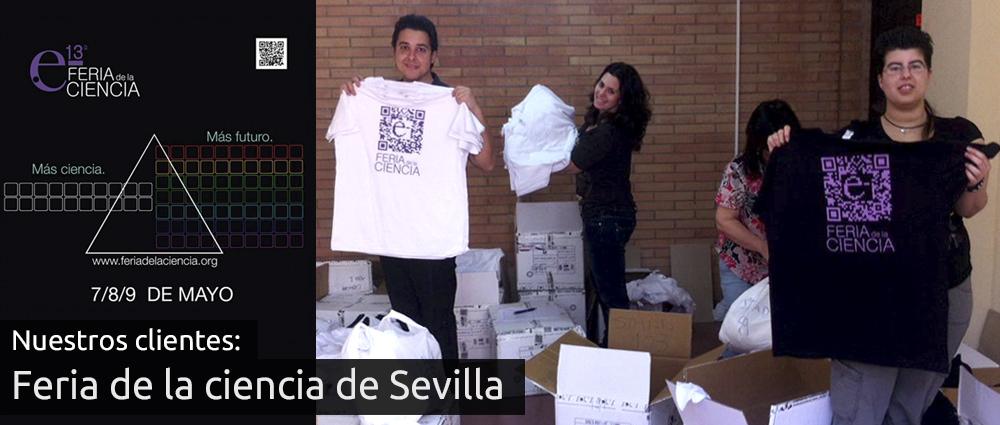 Participantes de la feria de la ciencia de Sevilla con sus camisetas personalizadas